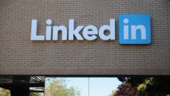 LinkedIn-sign-Sylvain-Kalache-Flickr-930x618-598x337