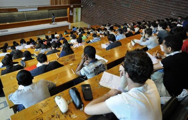 نقابة الجامعيين الجزائريين تدين وقف التربصات العلمية في تونس
