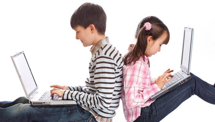 47-114721-negative-effects-internet-children_700x400