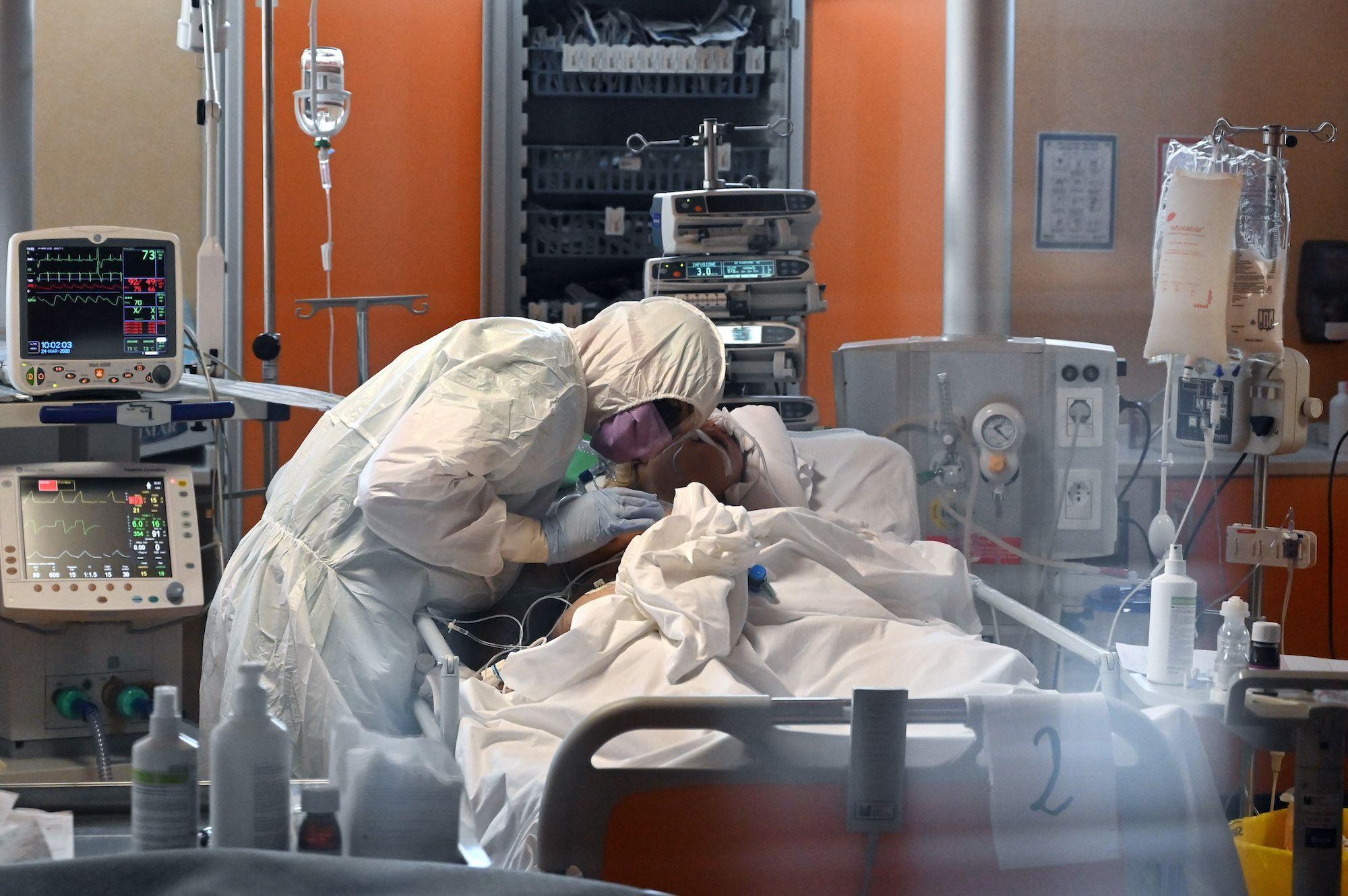 A-34-ans-un-Italien-en-bonne-sante-est-mort-du-coronavirus